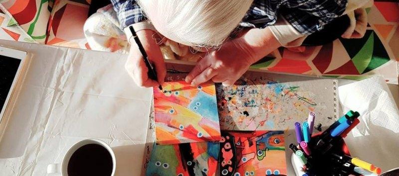 Etelka zeichnet kleines LauteHerzen Bild